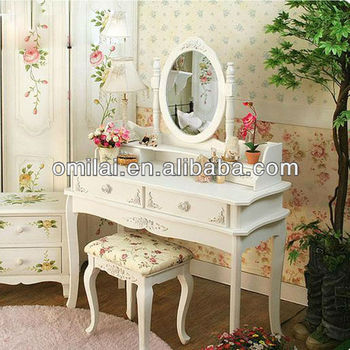 cosmetic luxuious table with four drawers wood mirror