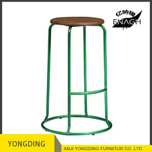 Antique metal industrial bar stools steel tube metal stool with wood seat for cafe and pub