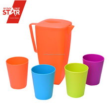 Winingstar cheap multicoloured large capacity plastic cool water jug kettle set with 4pcs cups