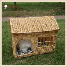 Factory wholesale Factory Specially Handmade lovely Shape outdoor Rattan wicker dog house