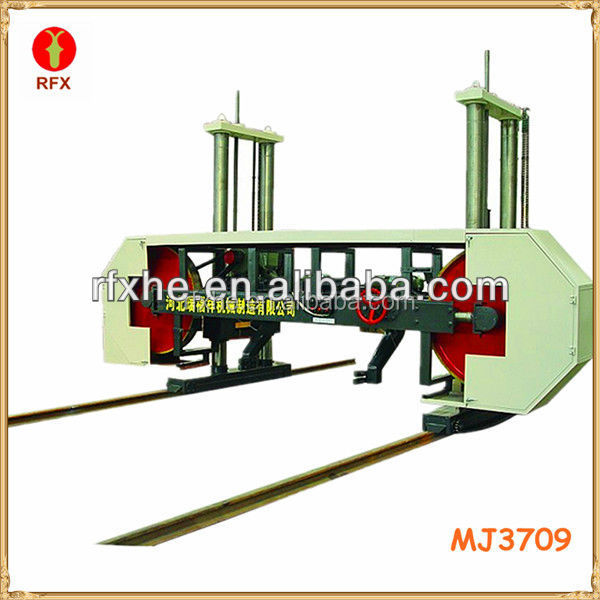 MJ3709 Fiji timber band saw cutting wood