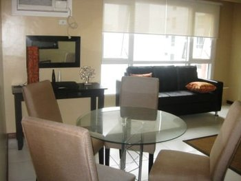THE COLUMNS AYALA 2 BEDROOMS FURNISHED FOR SALE WITH PARKING