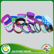 Hot selling how to make rubber band bracelets for advertising gifts