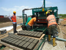 QT5-20 Concrete hollow block making machinery exported to Kenya ,concrete block making machine have office in Africa