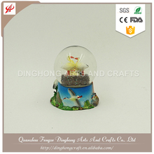 Christmas Home Decor Wholesale Custom Snow Globe Plastic Snow Globe With Satna