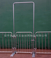 Galvanized Wheel Feet Crowd Control Barrier With Interlocking Barrier Gates