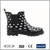 On sale black rubber material rain boots wellies ankle women with polka dot