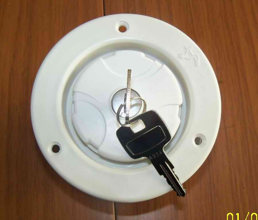 white motorhome locking water filler