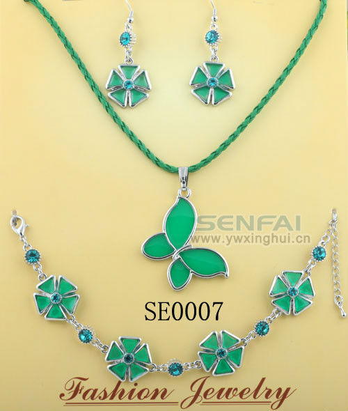 High Quality Green Butterfly Transparent Enamel Choker Necklaces Diamond Jewelry Set