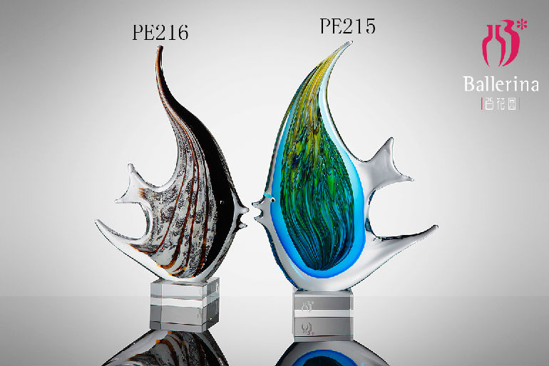Wholesale Hand Blown Animal Sculpture Modern Design Glass Fish Collection Home Decoration