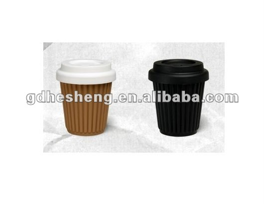 Durable Silicone coffee cup with lid