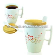 love heart woolen lid and special handle design couple ceramic mug with spoon gift set,
