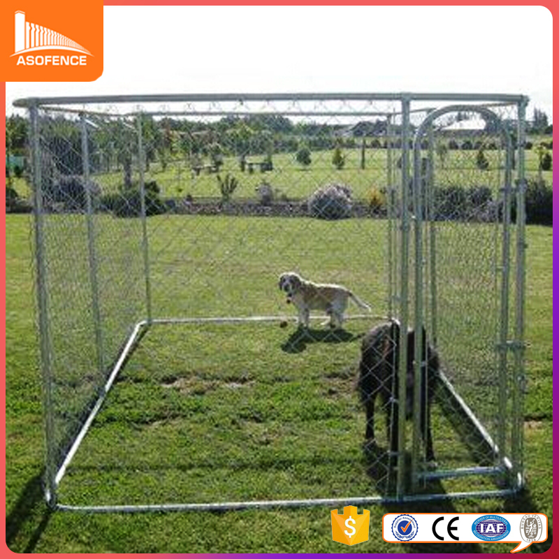 Outdoor metal chain link dog kennel with tent