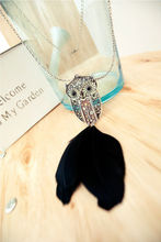 fashion lady retro royal feather owl pendant necklace