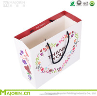 Beautiful printings paper bag with handle for gift