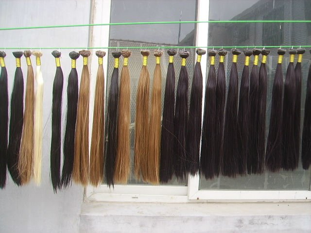 Manufacturer of Long Blond Color Remy Human Hair