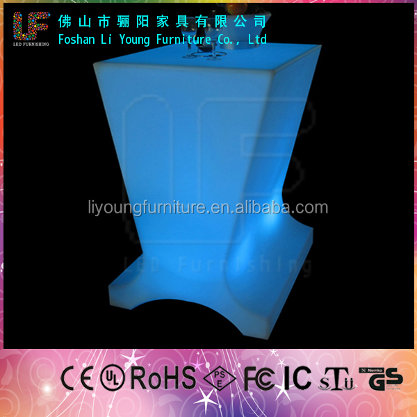 Foshan Hot Selling Fashionable Grace Nightculb And Party LED Flashing Bar Furniture , Roto Molding Plastic Stand Up Bar Table