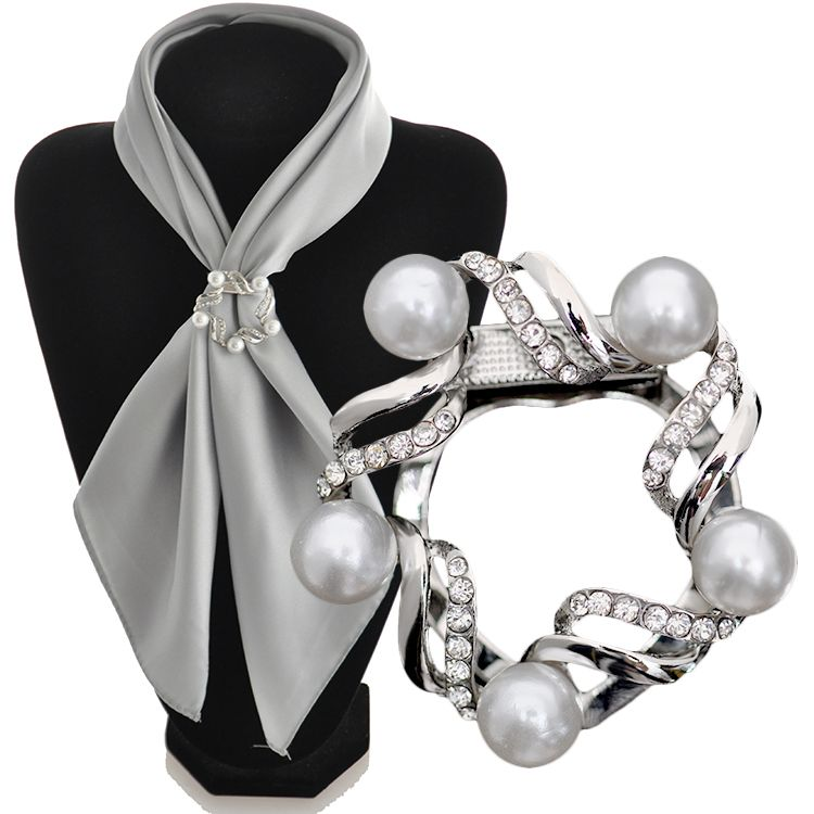 2017 Spring New Silver Plated Simulated Pearl Main Material Hot Fashion Scarf <strong>Buckles</strong> DCR0168