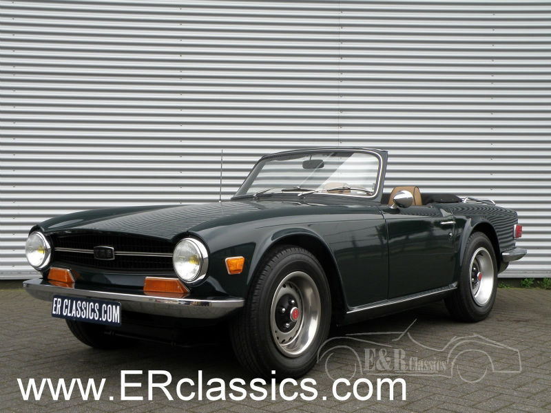 Triumph TR6 1971 6 cyl 2,5 ltr restored British Racing Green