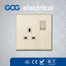 2014 Good Quality wall mounted power outlet socket