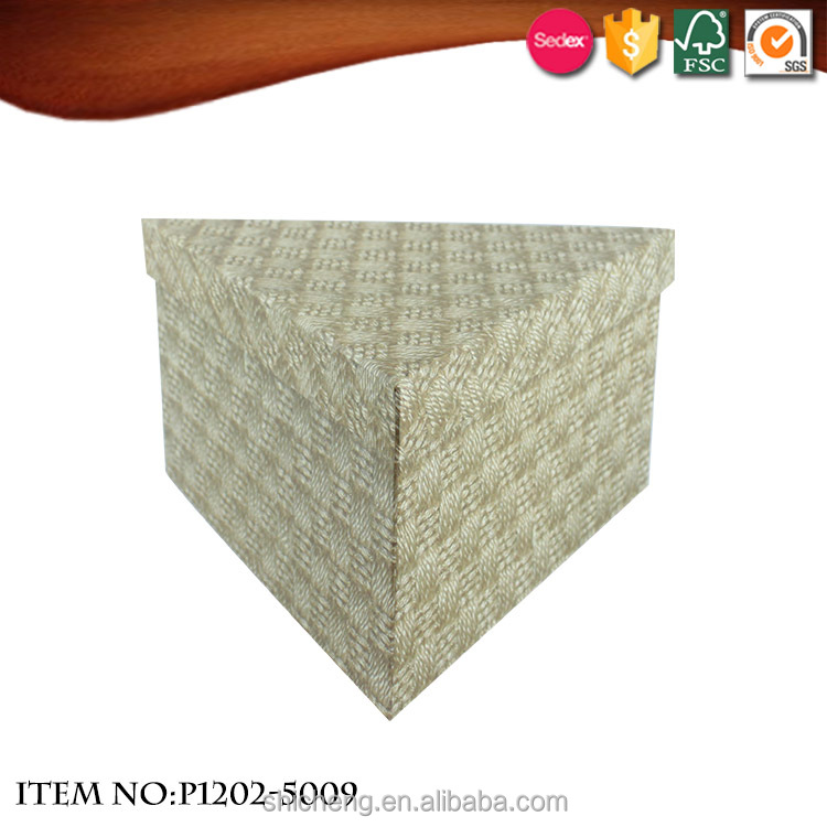 Triangle Arab Wind Weave Pattern Gift Box