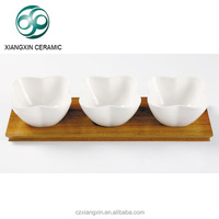 hot sale 3pcs white ceramic salad bowl with wooden serving tray ,ceramic salad bowl set