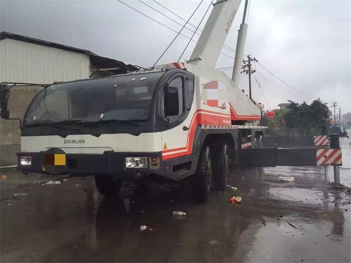 Made in China Truck Crane Used 70 Ton Zoomlion Heavy Equipment