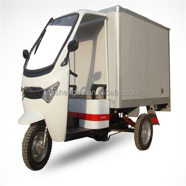 electric cargo van/cargo tricycle with a cabin
