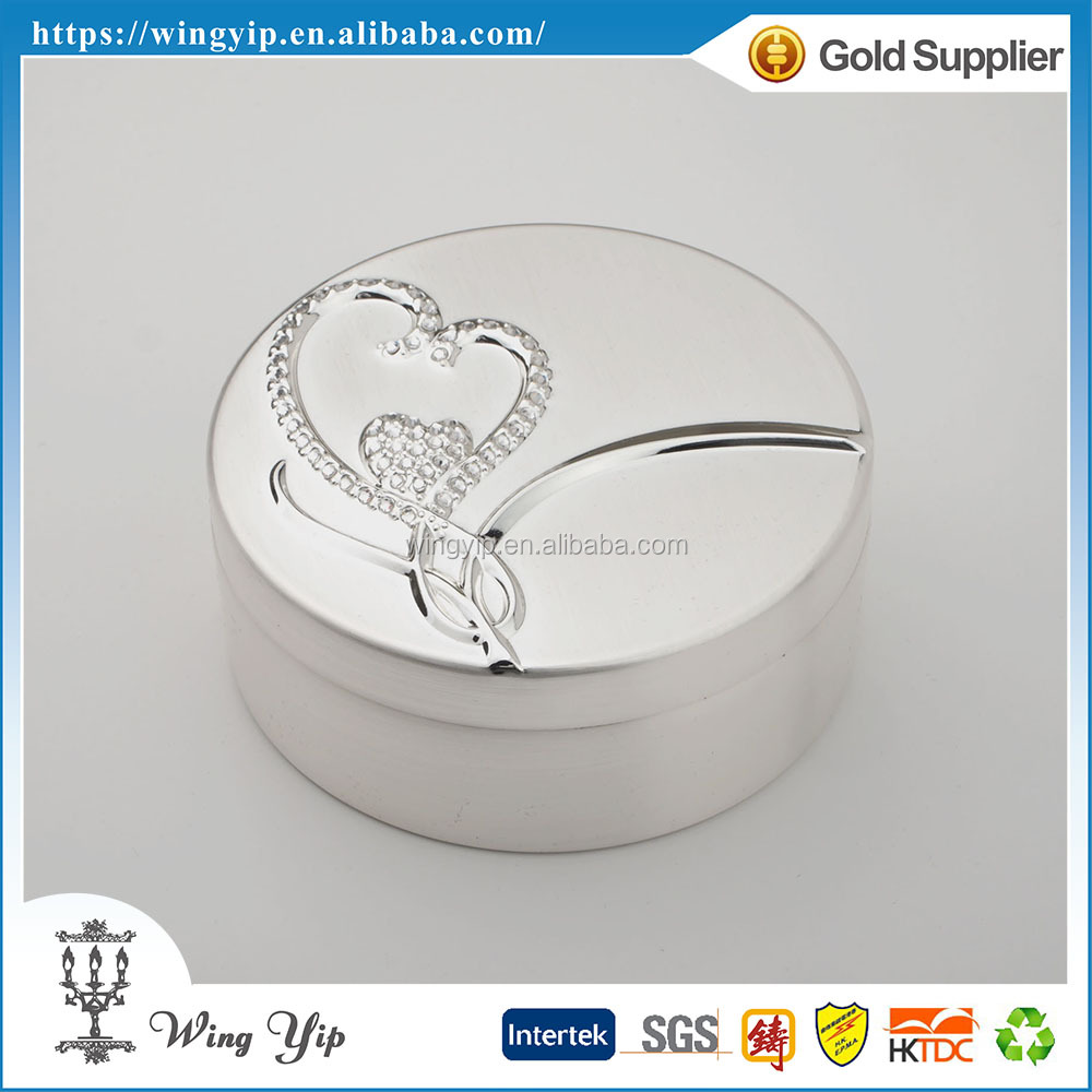Tailor made good quality Round Shape with heart Brushed Silver Plated Metal Jewelry box for Ornament