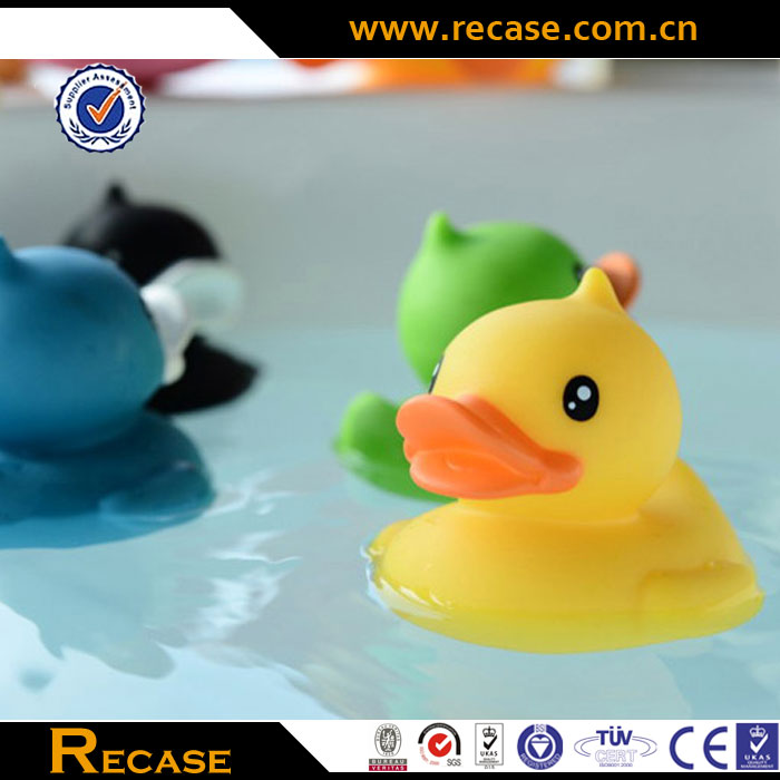 Customized Promotional Colorful Plastic Water Ducks