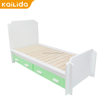 Hot new products powder coating kids cartoon car bunk bed wood material bedroom sets natural environmental for xc-mg