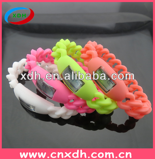 China supplier selling twist silicone watches