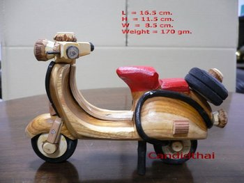 Vespa wood crafts
