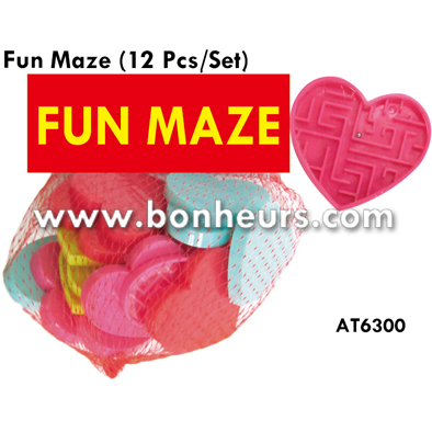 New Novelty Toy Educational Fun Plastic Valentine Ball Maze Game
