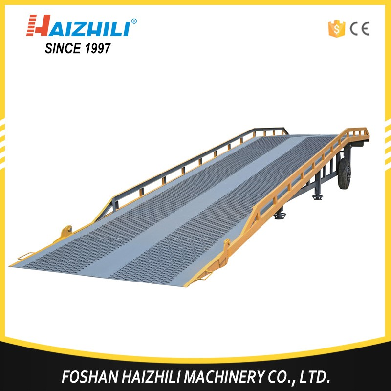 Forklift working container hydraulic mobile dock leveler loading yard ramp