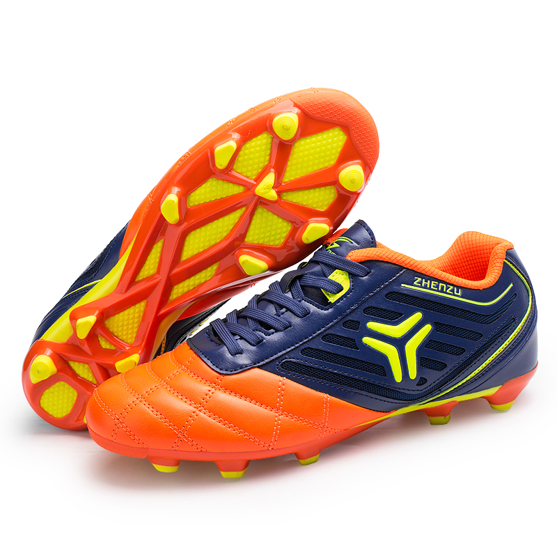 New Design Waterproof Outdoor Spike Football Soccer Shoes
