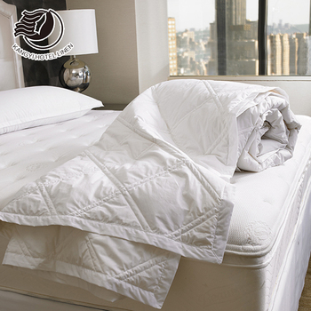 Hotel King Size Thin Cotton Plain White Fabric Polyester Filling Quilt For Summer Use