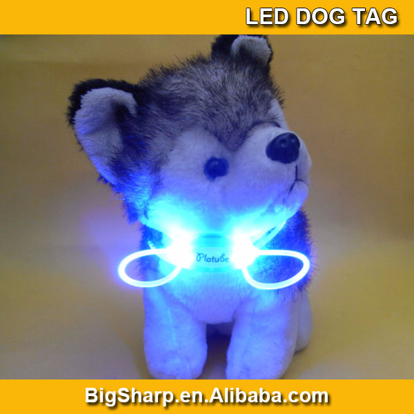 Cute dog accessories Flashing glow pet Dog Blinker Flashing LED dog Light Tag Safety necklace Collar DP-004