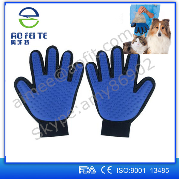2017 Hot Sale Pet True Washing Gloves Touch Dog Brush Pet Cleaninhg Glove For Grooming