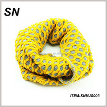 New Design Hot Selling Multi Contrast Color Acrylic Winter Circle Neck Loop Scarf Knit Pattern