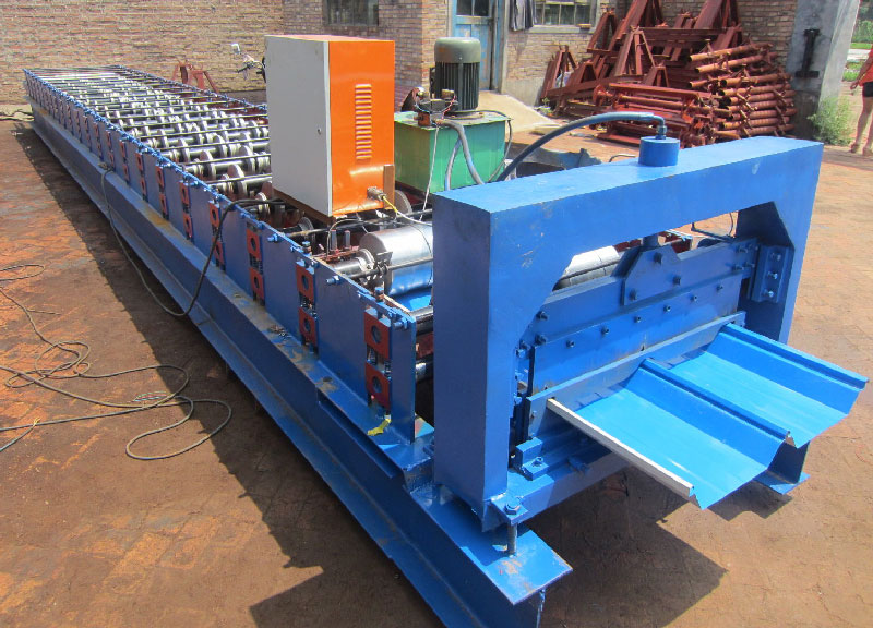 Automatic sheet standing seam metal sheet roofing making machine