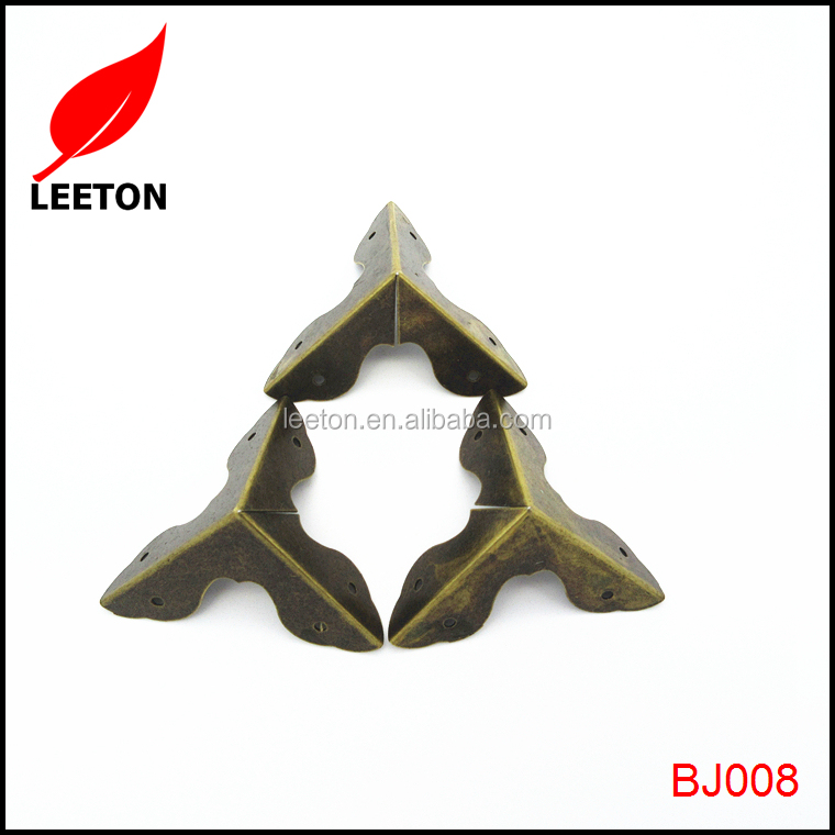 Factory supply leaf shaped antique metal corner for tool box