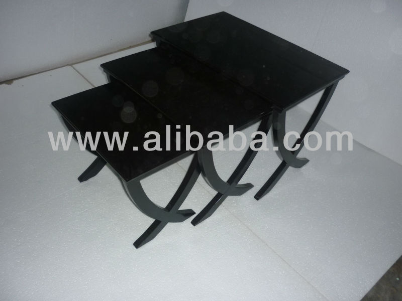 Accessories table with inlay veneer