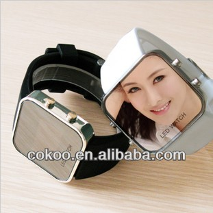2013 Hot new fashion LED rubber man and woman watch!Student movement watches