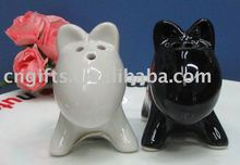 Unique dog design ceramic salt pepper shakers for party gifts
