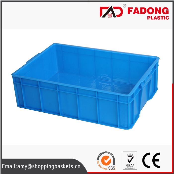 Plastic moving crate with lid for raw food