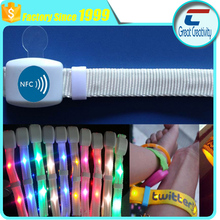 split groups Remote controlled NFC LED wristband flashing/Radio controlled RGB LED color nylon LED wristbands