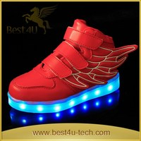 Fashion Sneaker Sport Running Shoes with LED Light for Child