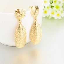 Fashion high quality Gold Leaf Shaped Stud Earring Designs For Women