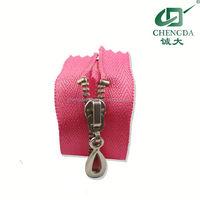 high quanlity zipper pin and box